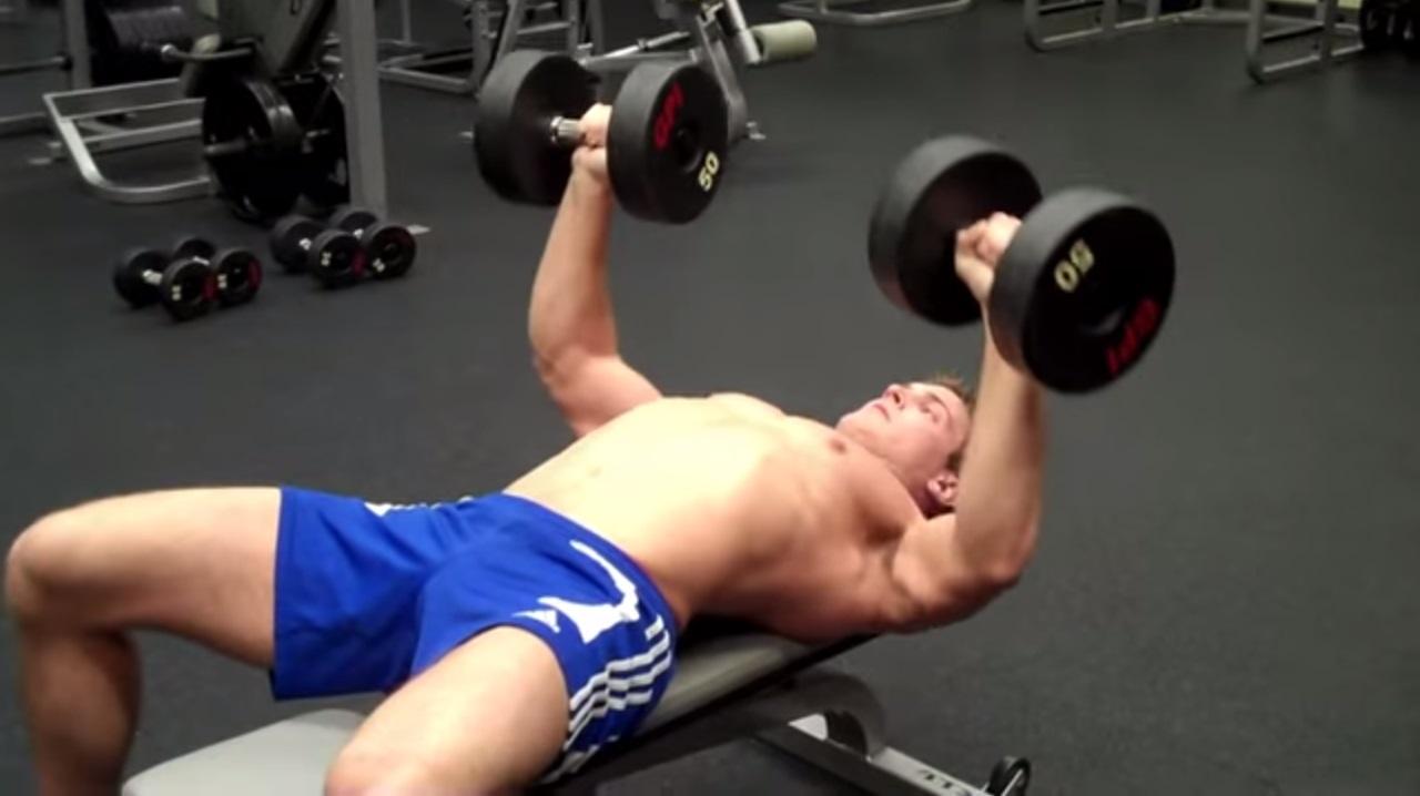 tlaky-s-jednoruckami-scott-herman-trening